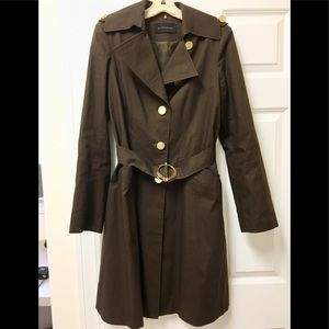 Gorgeous Elie Tahari chocolate🍫brown trench coat!